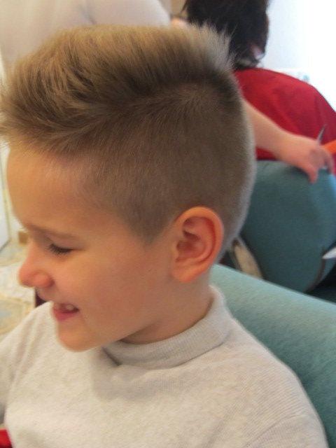 Детская стрижка с ирокезом