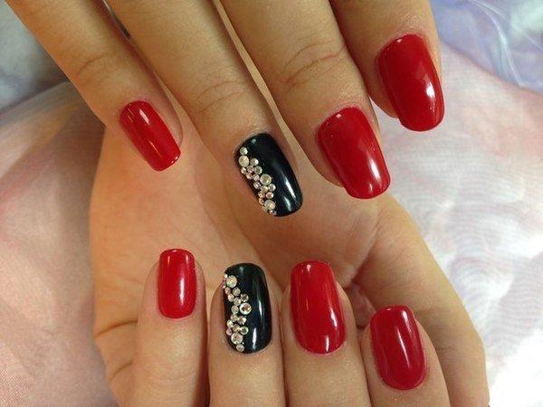 Дизайн ногтей красного цвета