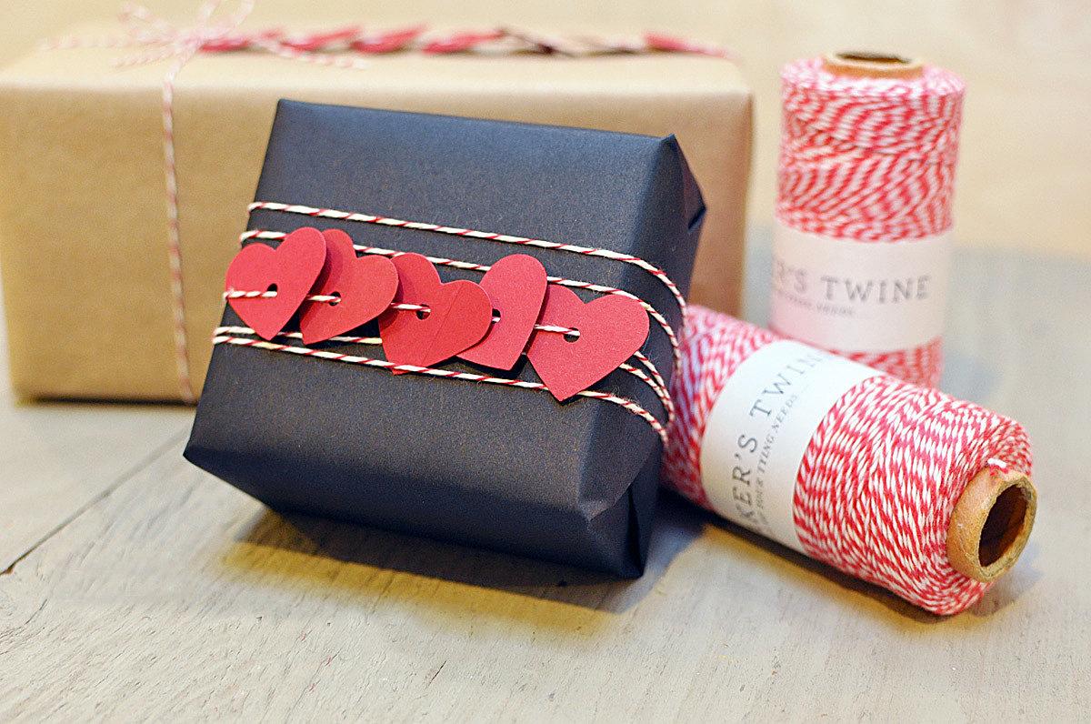 Упаковать подарок любимому своими руками