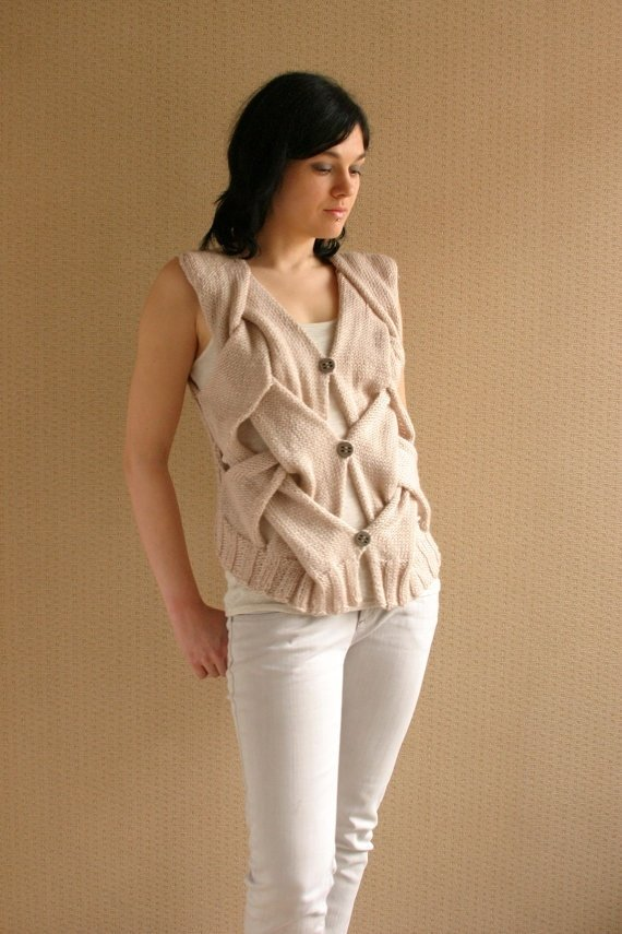 Вязание безрукавки для женщины 176