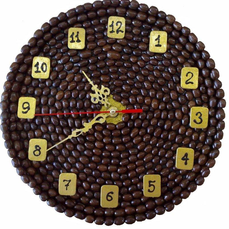 Поделки из кофейных зёрен часы 35