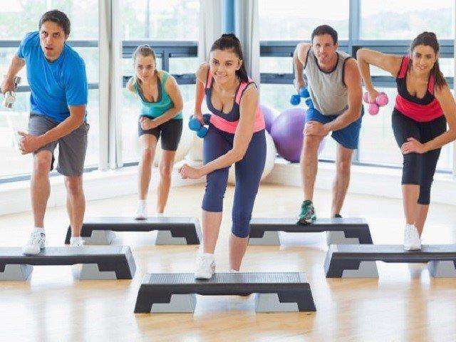 Насколько эффективна степ-аэробика для похудения?