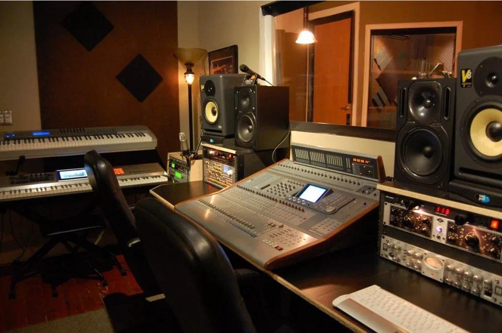 Как сделать студию для звукозаписи