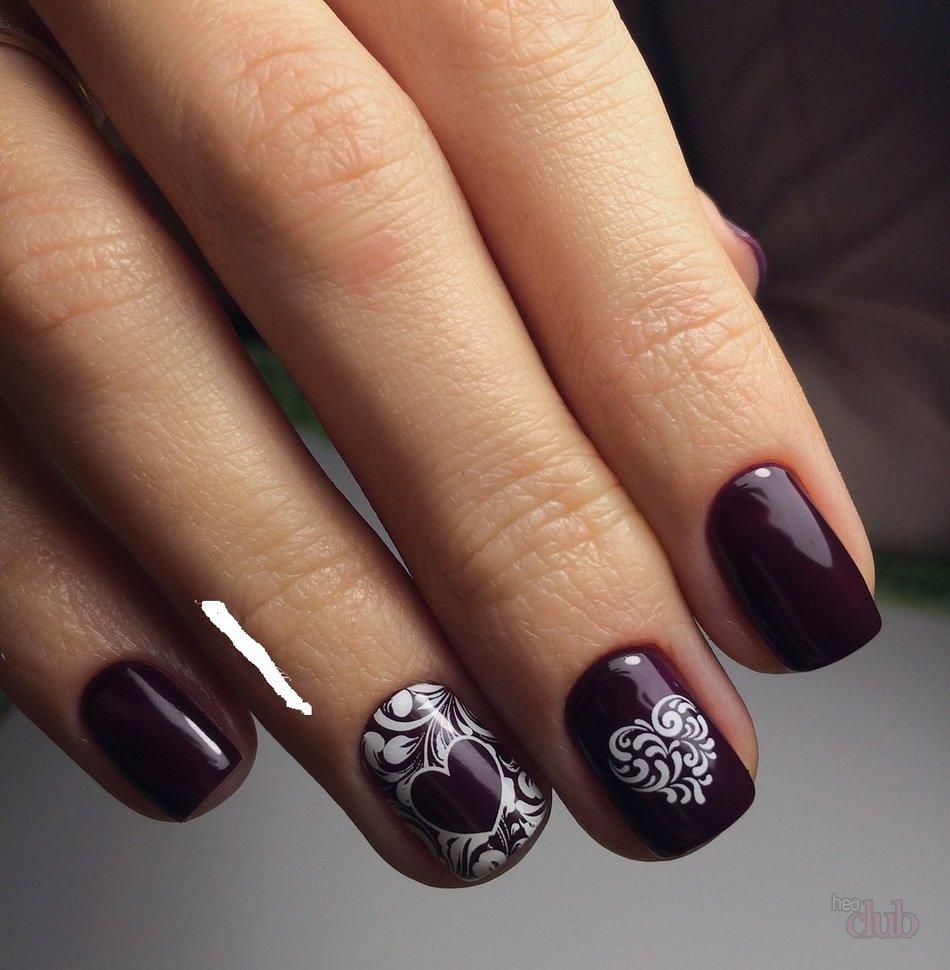 Маникюр темный лак на короткие ногти