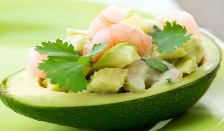 Салат с кальмарами и авокадо рецепт