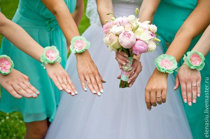 Букет на руку для подружек невесты своими руками 486
