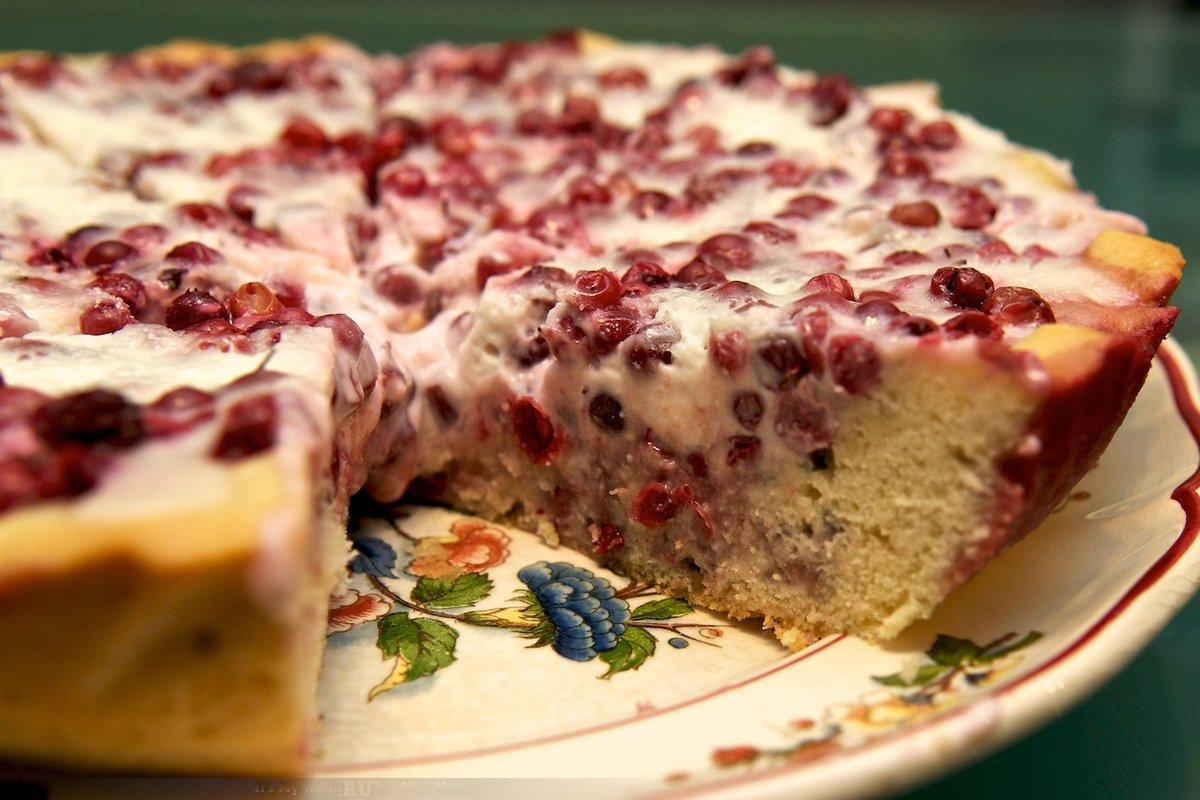 Пирог с ягодами и яблоками в духовке рецепт