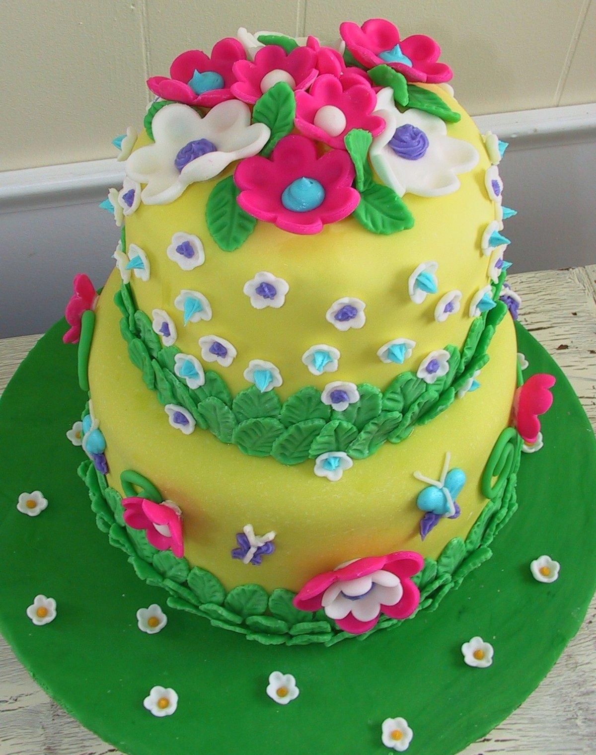 Как сделать красивый торт своими руками с мастикой для девочки