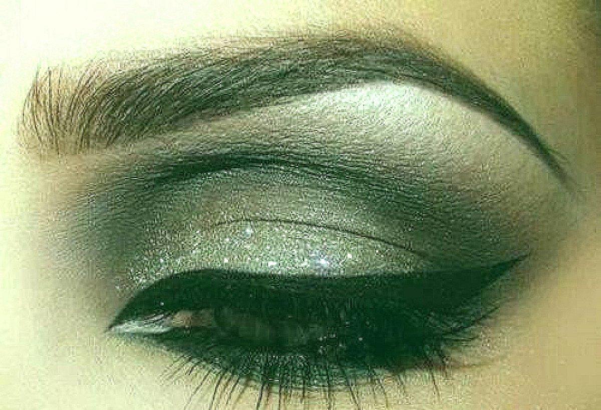 Макияж для карих глаз круглого лица фото