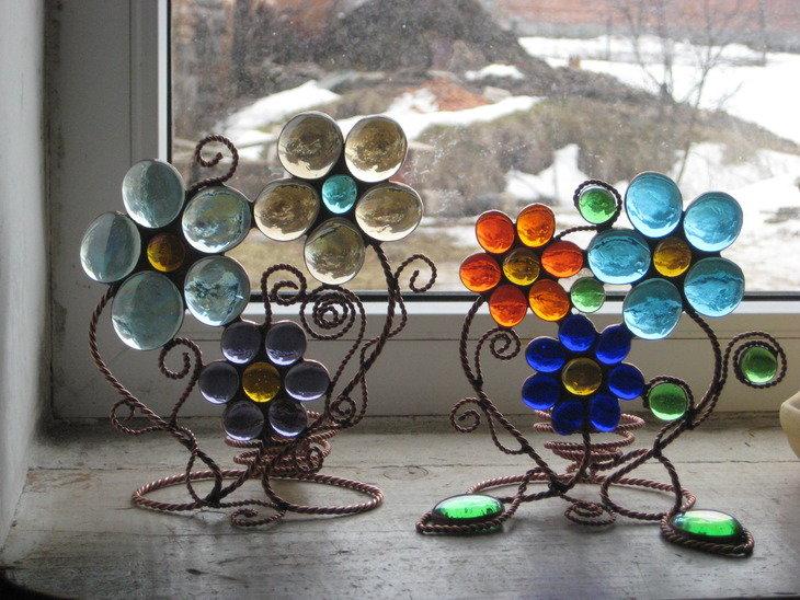 Поделки из стеклянных камушков своими руками фото