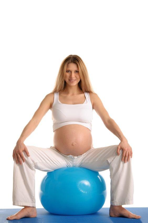 Как заниматься беременной на шаре 37