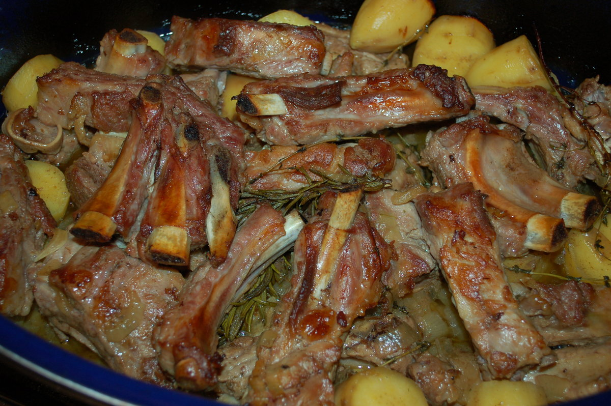 Бараньи ребрышки с картошкой на сковороде рецепт