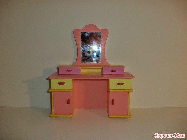 Кукольный туалетный столик своими руками 16