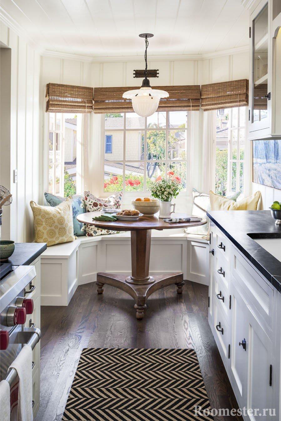 Кухни с эркером дизайн и интерьер