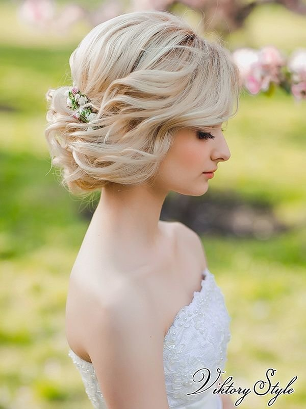 Свадебные прически на средние короткие волосы