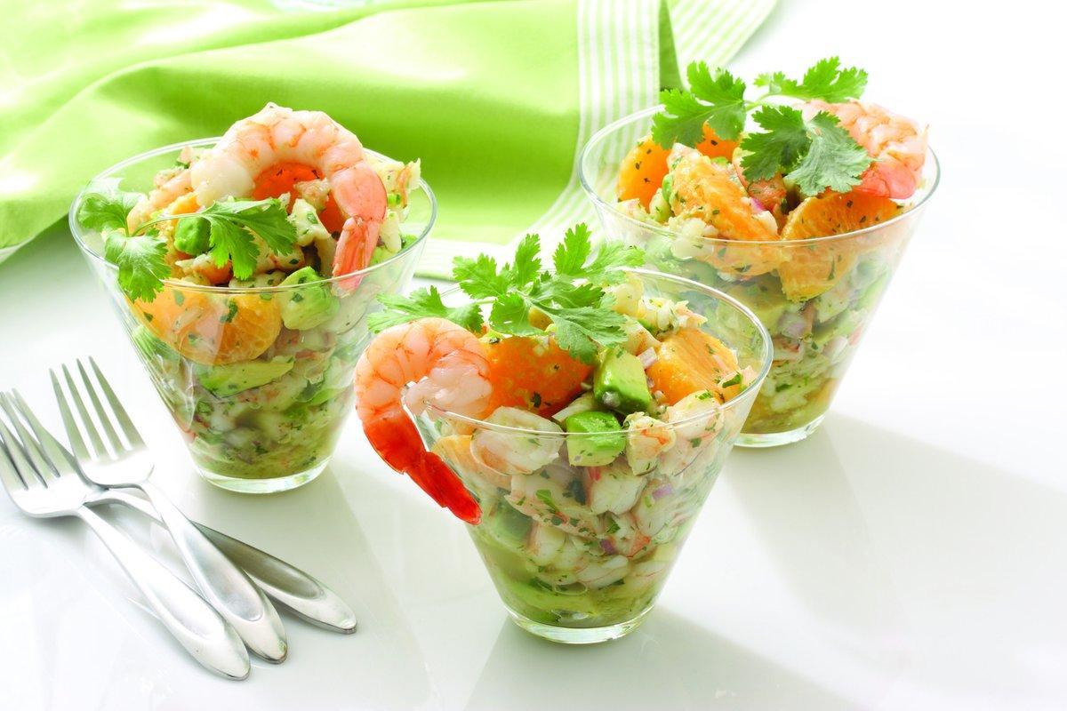 Салат с креветками и салатом рецепт очень вкусный