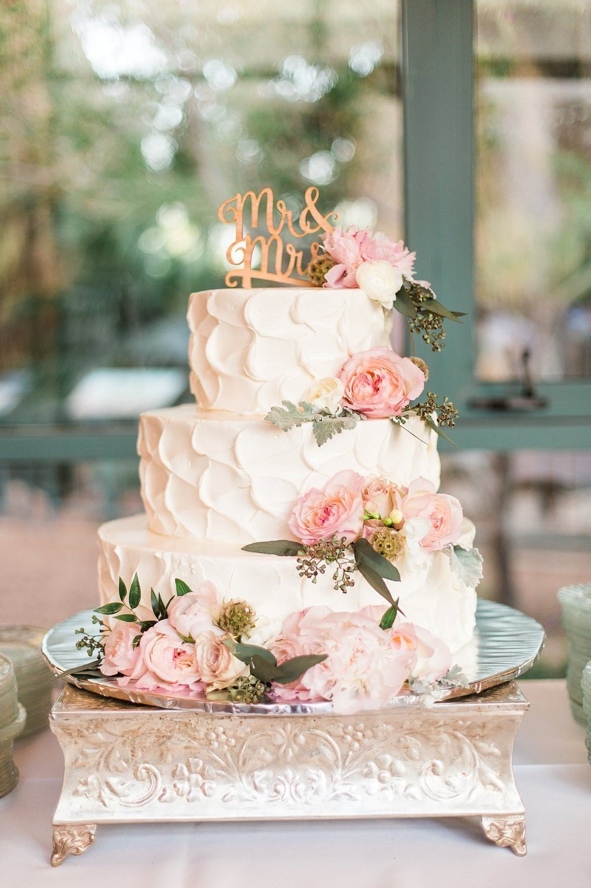 Фото красивые свадебные торты с цветами