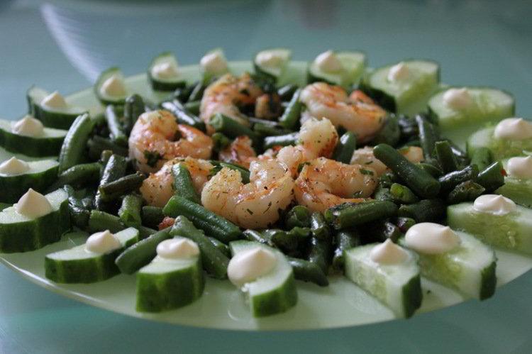 Салат из креветок и фасоли рецепт