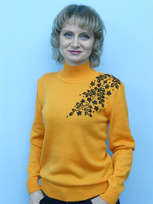 Чем украсить свитер своими руками