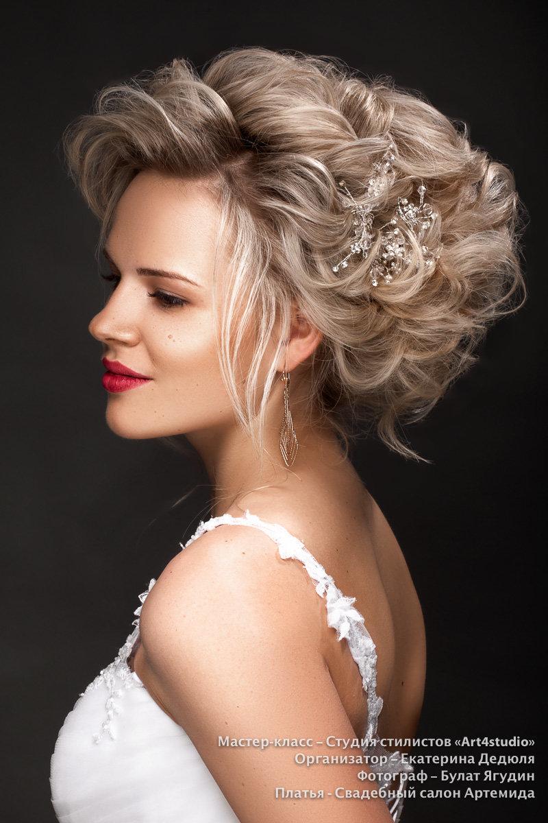 Прическа на свадьбу волосы собраны