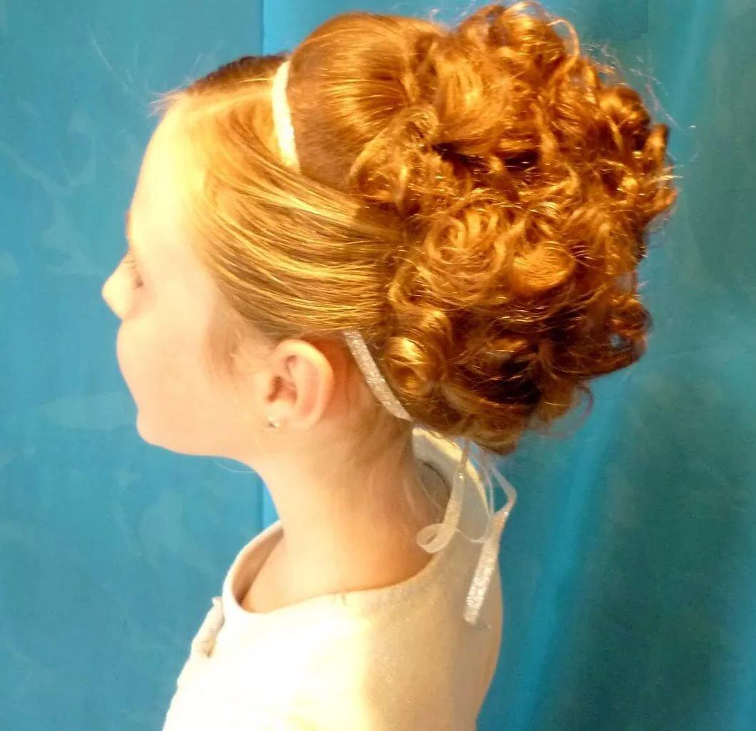 Прически девочкам на средние волосы на день рождения