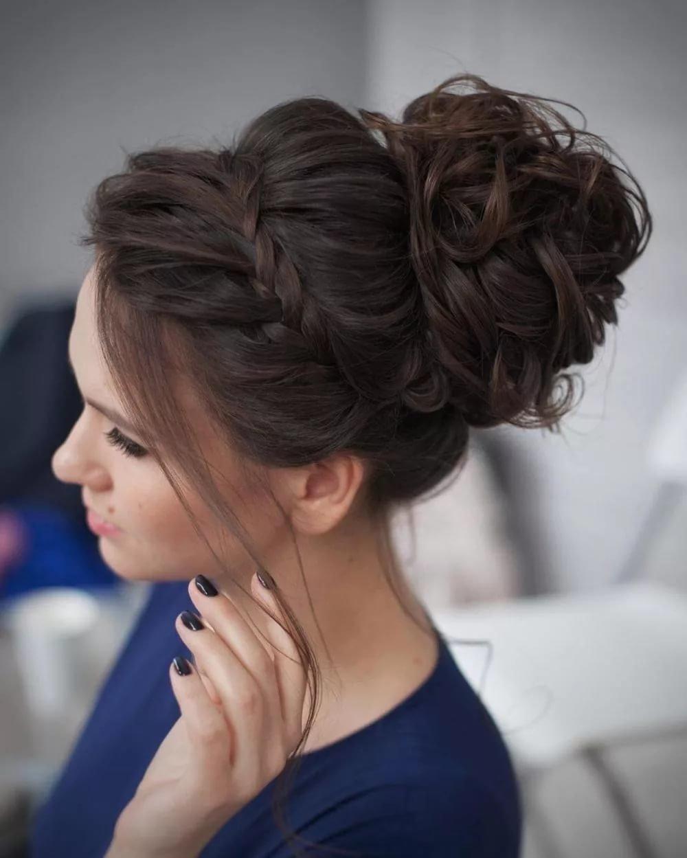 Локоны и косы: изысканные прически