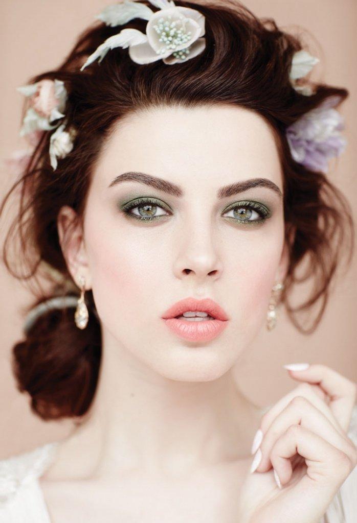 Свадебный макияж в зеленых тонах