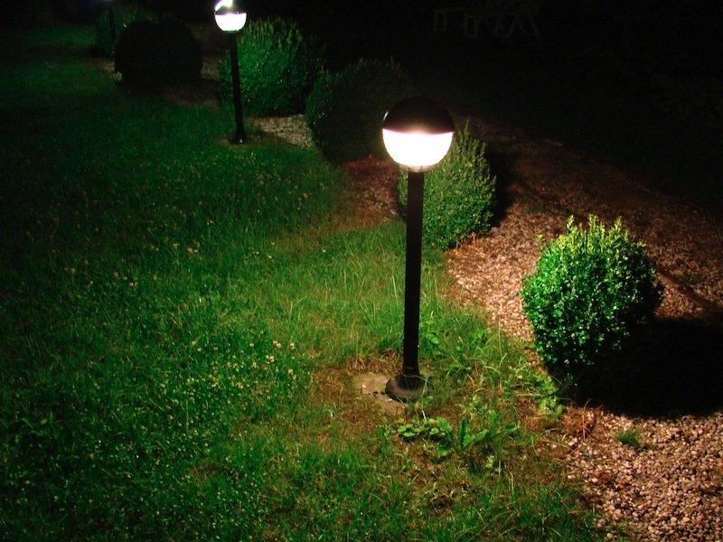 Наружное освещение дачи своими руками 61