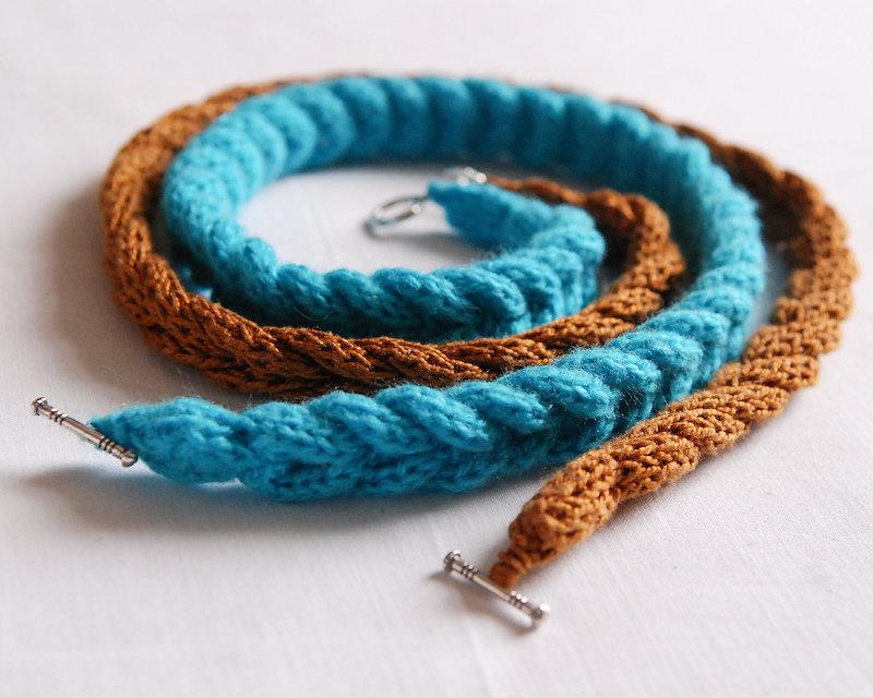 399Браслет из ниток вязание