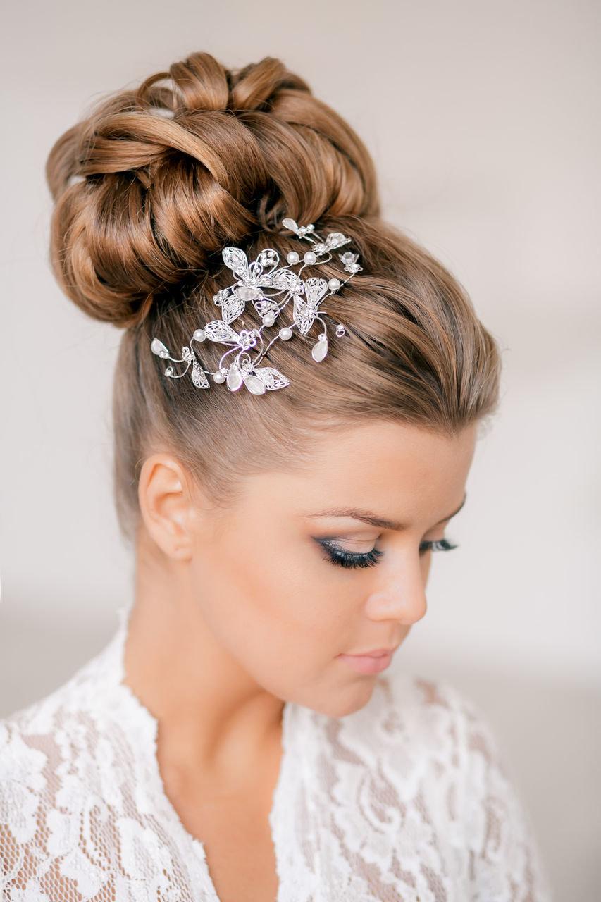 Свадебные прически для невесты на средние волосы