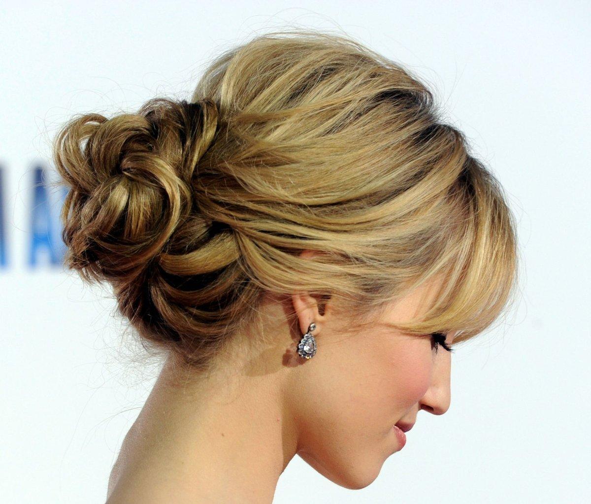 Причёски на волосы средней длины