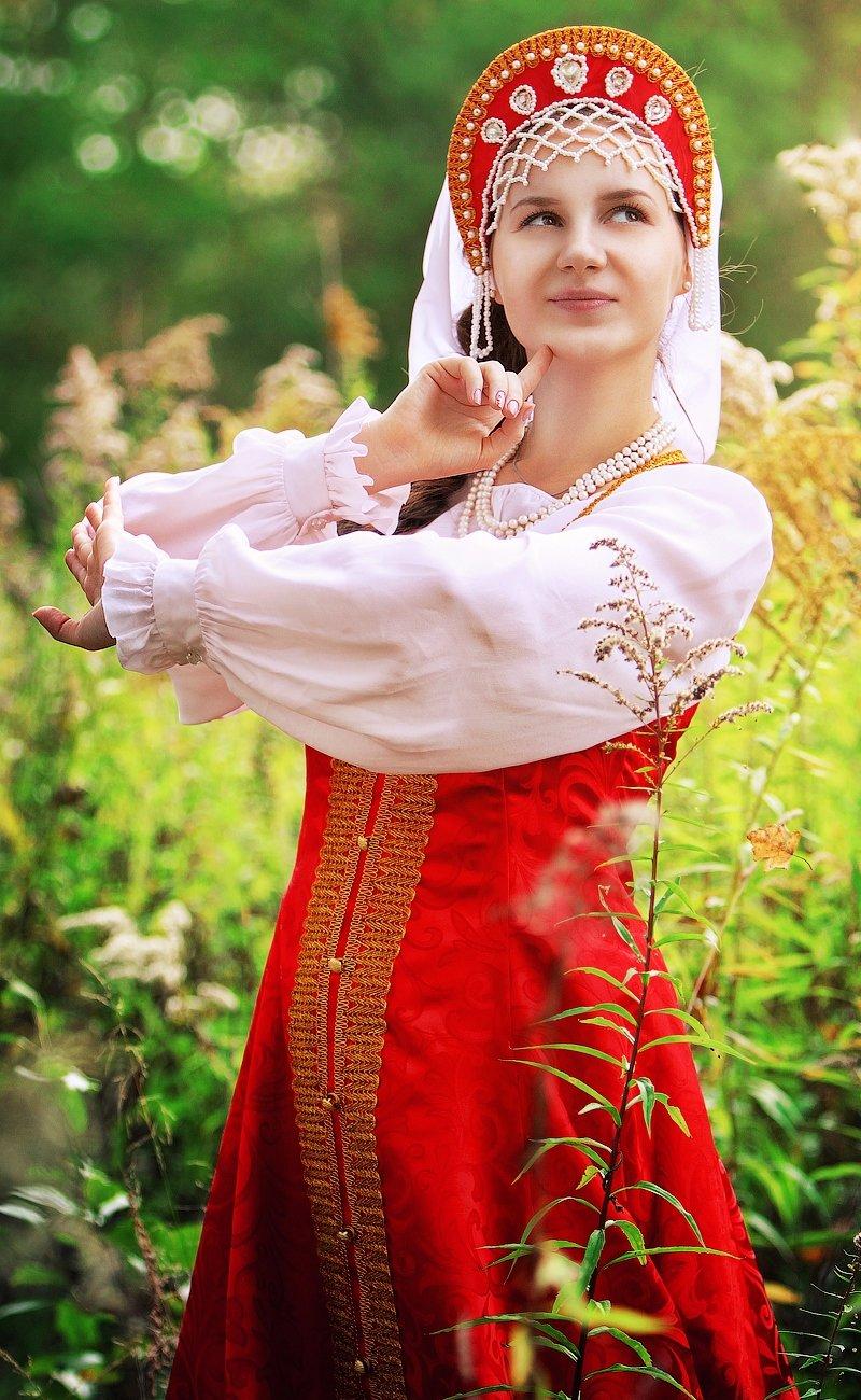 Девушки в русских народных платьях фото