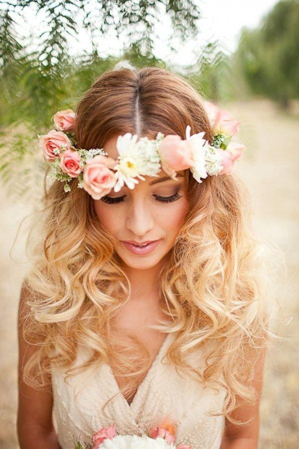 Свадебные прически с венком из роз