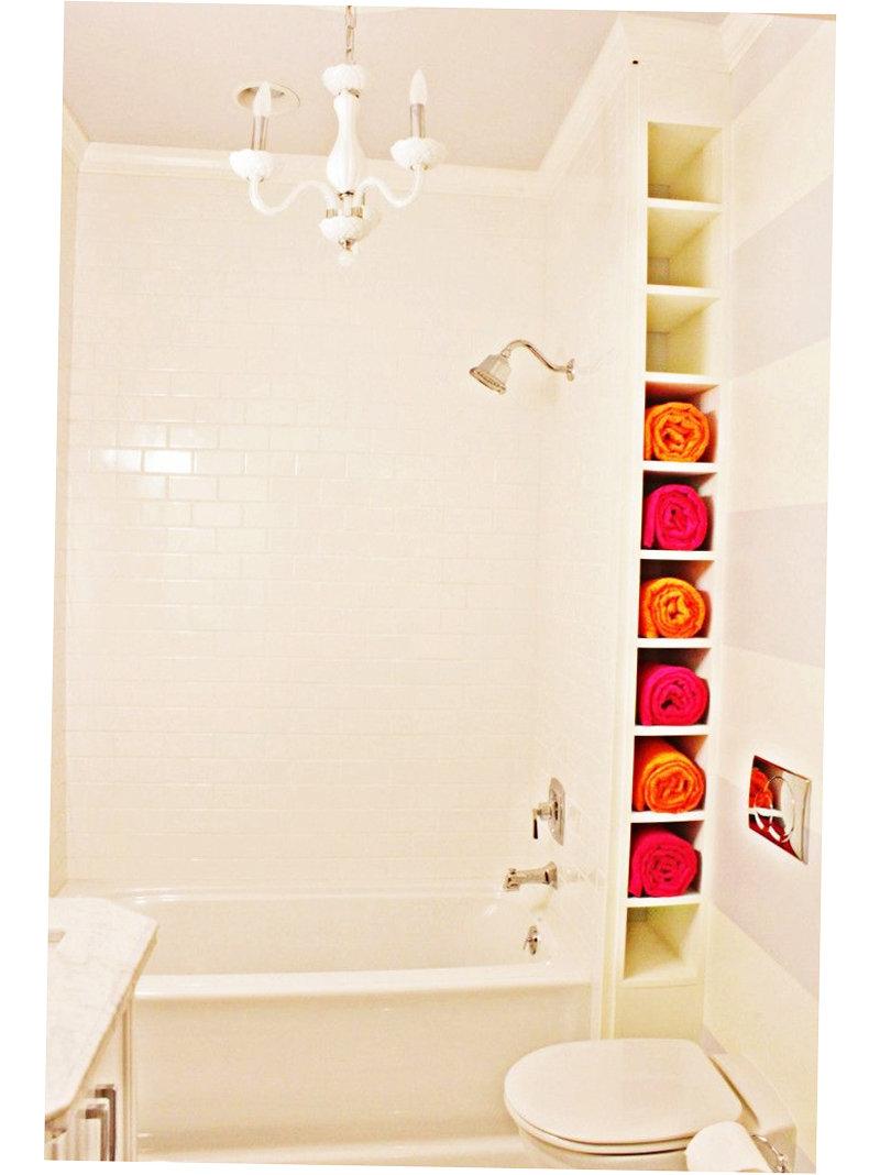 Как сделать в ванной угловой шкаф