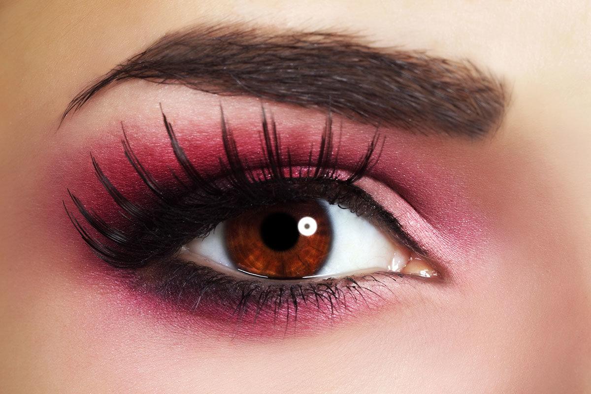 Как сделать пошагово красивый, яркий черный макияж (мейкап) 32