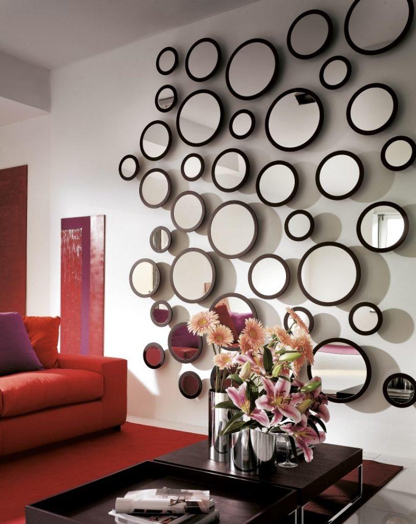 Декор стены зеркалами своими руками