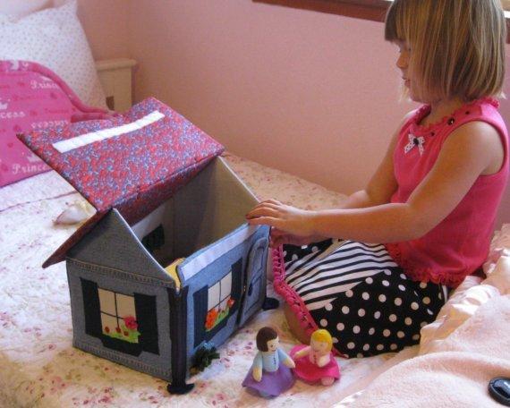 Мягкий домик для кукол своими руками