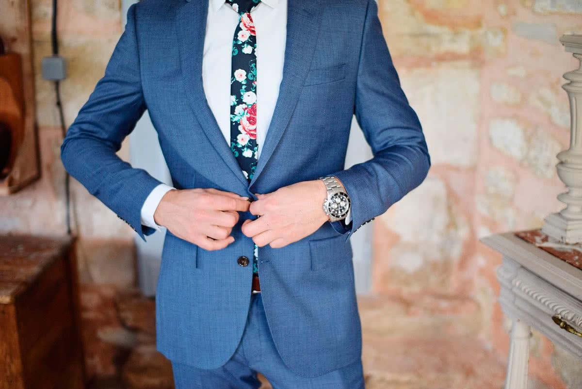 Оригинальный мужской костюм на свадьбу фото