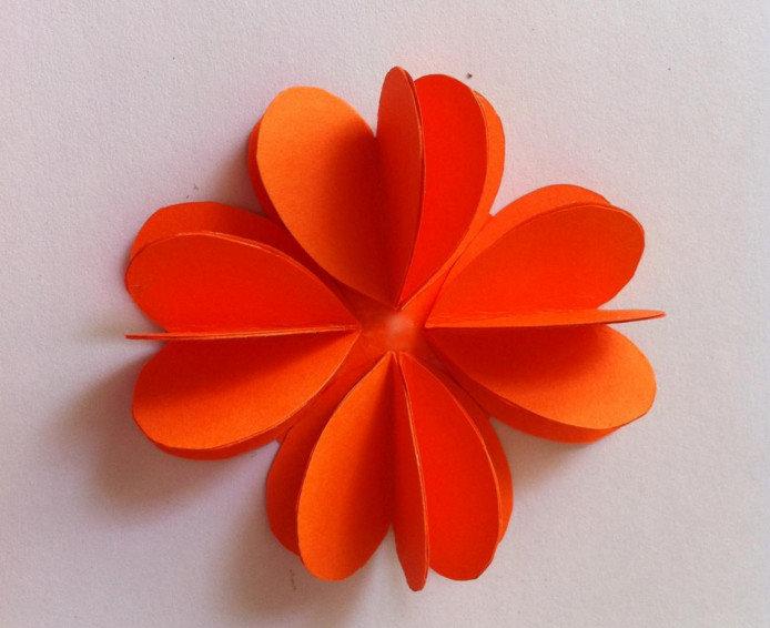 Цветы из бумаги своими руками для детей объемные