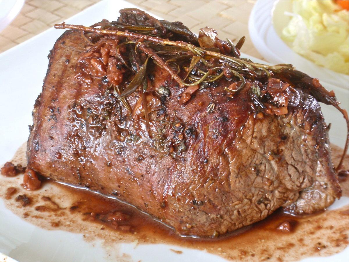 Как сделать запеченное мясо в духовке