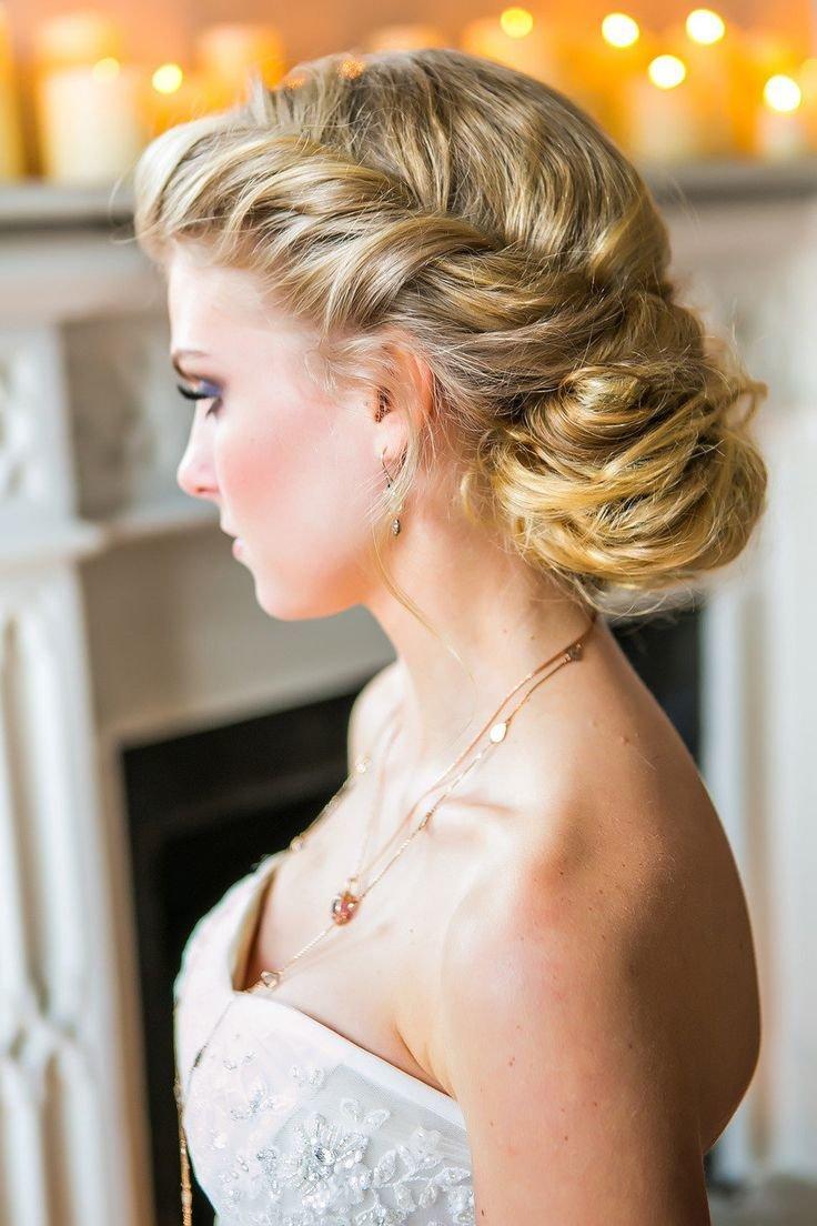 Свадебные причёски на средние волосы с фатой 2017 новинки