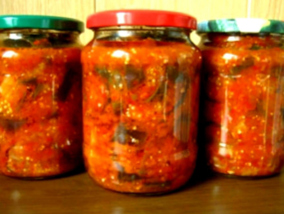 Салат из жареных баклажанов с помидорами и перцем рецепт пошагово