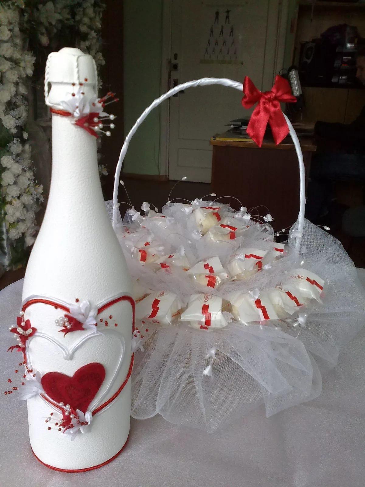Сделать подарок на свадьбу своими рук 19