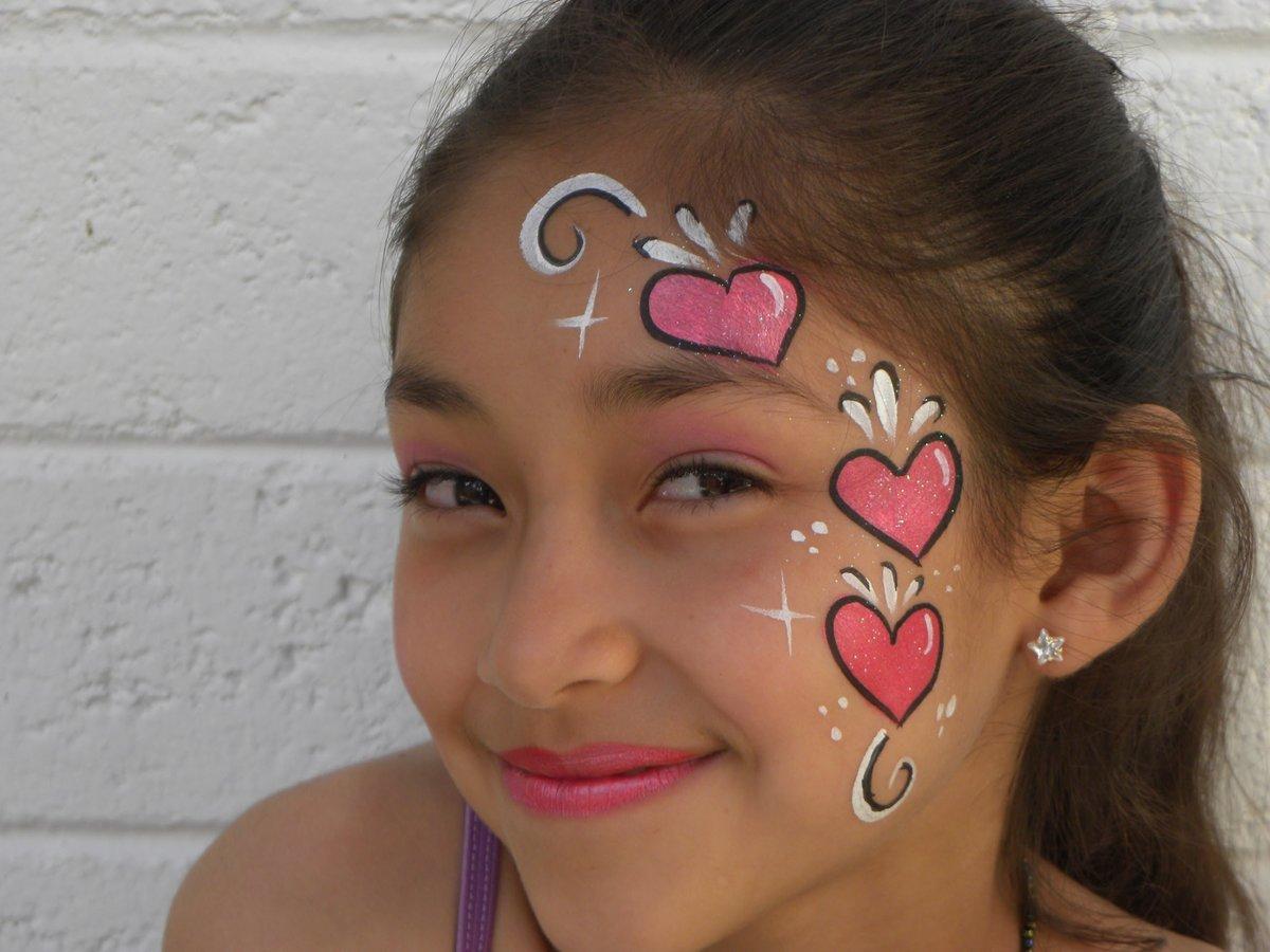 Лёгкие рисунки на лицах детей фото