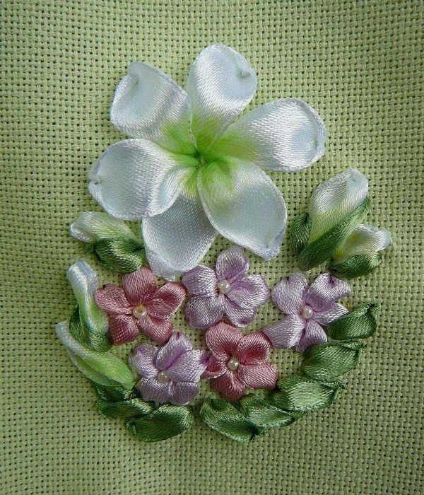 Вышивка атласными лентами не цветы 103