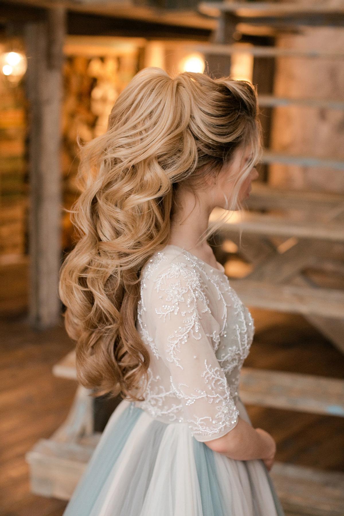 Фото причесок свадебных с накладными волосами