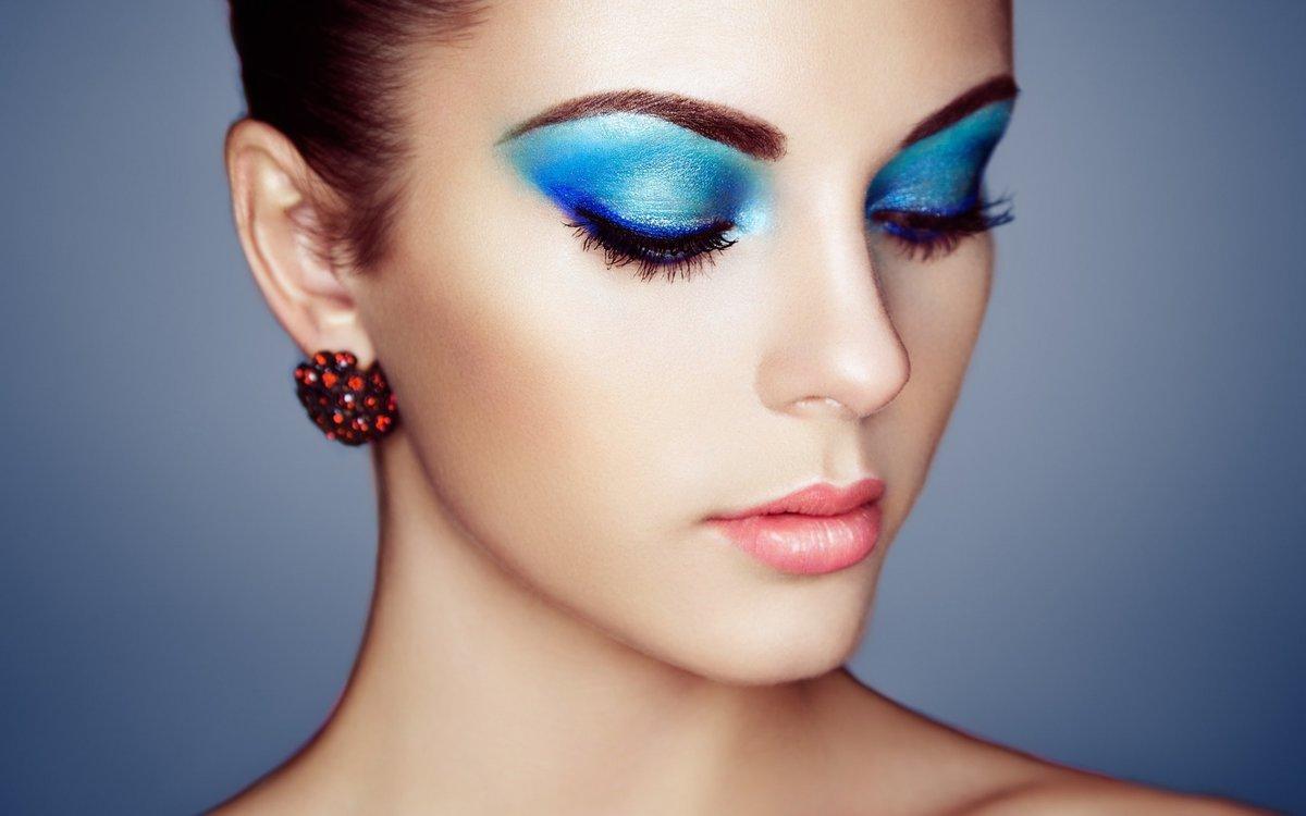Фото макияжа в синих цветах