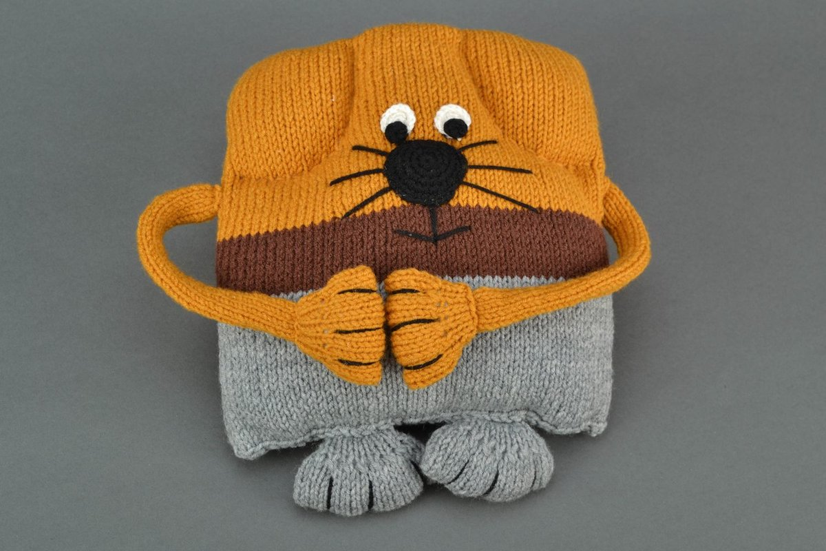 Лежанка для кота своими руками: старый свитер, поролон или 94