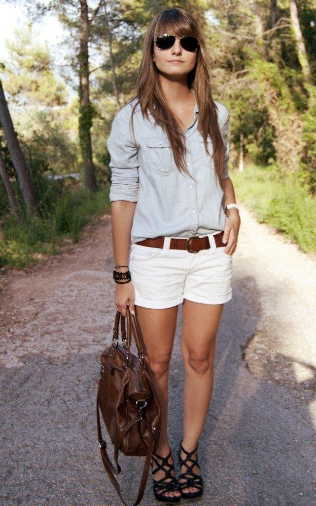 Что одеть с белыми шортами женщине
