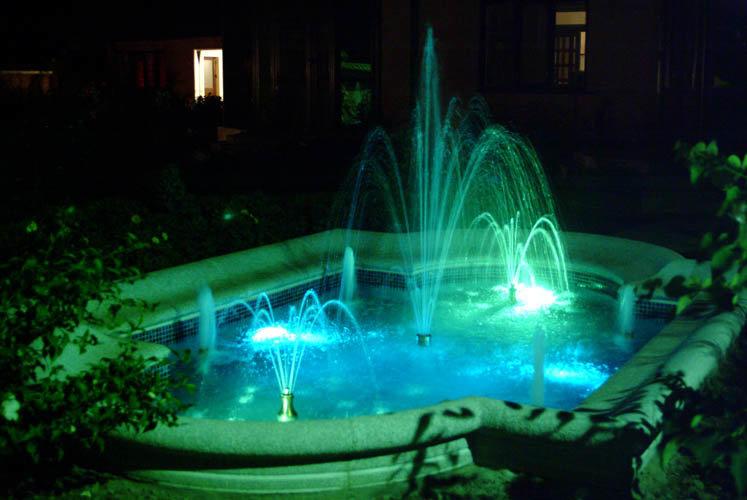 Сделать подсветку для фонтана своими руками